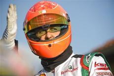 <p>Heptacampeão mundial de Fórmula 1 Michael Schumacher, em foto de arquivo, disse que pode seguir na categoria após 2012. REUTERS/Kirsten Neumann</p>