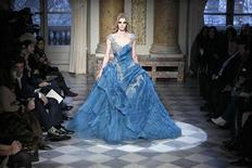 <p>A model presents a creation by Lebanese designer Zuhair Murad as part of his Couture Spring Summer 2010 fashion show in Paris January 26, 2010. REUTERS/Charles Platiau</p>