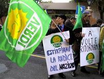 <p>Manifestanti dei Verdi in foto d'archivio. REUTERS/Vincenzo Pinto</p>
