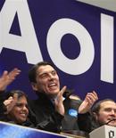 <p>Le nouveau directeur général d'AOL, Tim Armstrong. AOL a publié un bénéfice trimestriel et un chiffre d'affaires supérieur aux attentes, bien que ce dernier ait été affecté par la faiblesse du marché publicitaire et la diminution du nombre de ses abonnés Internet. /Photo prise le 10 décembre 2009/REUTERS/Brendan McDermid</p>