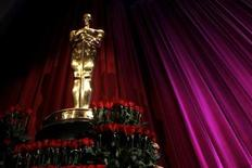 <p>An Oscar statue is seen on stage after the 82nd annual Academy Awards nomination announcements in Beverly Hills February 2, 2010. The 82nd annual Academy Awards will be presented in Hollywood on March 7, 2010. REUTERS/Danny Moloshok</p>