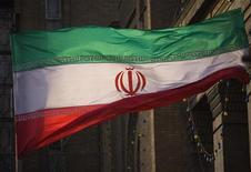 <p>La bandiera iraniana. REUTERS/Morteza Nikoubazl (IRAN POLITICS)</p>
