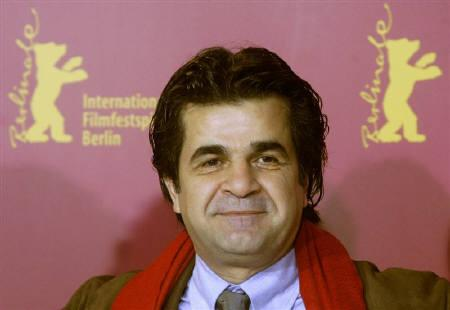 Iranian film director Jafar Panahi poses during a photocall at the Berlinale International Film Festival in this February 17, 2006 file photo. Iranian security forces have detained Panahi, winner of many international awards, an opposition website said on Tuesday. REUTERS/Arnd Wiegmann/Files