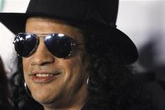 <p>Foto del 3 de marzo de Slash en la fiesta previa a los Oscar en Hollywood. REUTERS/Mario Anzuoni</p>