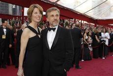 """<p>Christoph Waltz, vencedor do Oscar de melhor ator coadjuvante por """"Bastardos Inglórios"""", com sua esposa Judith Holste, chega à 82a edição do Oscar em Hollywood. 07/03/2010 REUTERS/Brian Snyder</p>"""