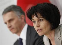 <p>Swiss President and Economy Minister Doris Leuthard (R) speaks next to Swiss Interior Minister Didier Burkhalter during a news conference after Switzerland's popular votes, in Bern March 7, 2010. REUTERS/Michael Buholzer</p>