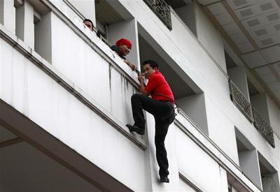 Protest leader's daring escape