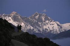 <p>Monte Everest in foto d'archivio. REUTERS/Gopal Chitrakar</p>