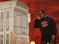 <p>Actor Ice Cube presents an award at the 2007 Kids' Choice Awards in Los Angeles March 31, 2007. REUTERS/Fred Prouser</p>