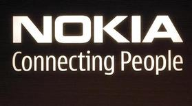 <p>Logo della Nokia, foto d'archivio. REUTERS/Bob Strong</p>