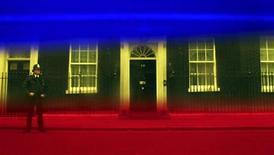 <p>Резиденция премьер-министра Великобритании на Даунинг-стрит в Лондоне, сфотографированная через цветовые фильтры 5 мая 2010 года. В четверг в Великобритании проходят парламентские выборы, борьба в ходе которых может стать самой упорной с 1992 года. REUTERS/Cathal McNaughton</p>