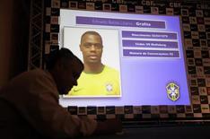 <p>Grafite foi convocado por Dunga para a seleção que disputará a Copa do Mundo, deixando Adriano de fora da lista. REUTERS/Sergio Moraes</p>