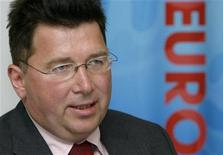 <p>Мартин Каллен на пресс-конференции в Цюрихе 29 июля 2008 года.Польша может провести чемпионат Европы чемпионат Европы по футболу 2012 года в одиночку, если украинские стадионы не будут готовы в срок, сказал директор УЕФА по проведению турнира Мартин Каллен. REUTERS/Arnd Wiegmann</p>