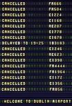 <p>Табло, отображающее отмененные рейсы в аэропорте Дублина, 20 января 2010 года. Великобритания сняла ограничения на полеты из аэропортов Лондона из-за изменения направления движения облаков вулканического пепла, однако крупные аэропорты Ирландии и Нидерландов остаются закрытыми. REUTERS/Cathal McNaughton</p>