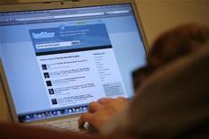 <p>Un utente su una pagina di Twitter. REUTERS/Mario Anzuoni (UNITED STATES ENTERTAINMENT)</p>