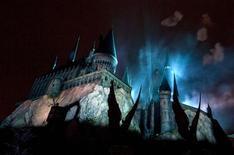<p>Castelo de Hogwarts durante cerimônia de abertura do Wizarding World de Harry Potter em Orlando, Flórida. 16/06/2010 REUTERS/Scott Audette</p>