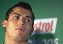 <p>Capitão de Portugal, o jogador Cristiano Ronaldo revelou ser pai de um garoto. REUTERS/Paul Hanna</p>