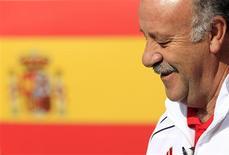 <p>O técnico espanhol Vicente del Bosque na concentração do time em Potchefstroom, 9 de julho de 2010. A Espanha não preparou nenhum plano específico para conter o meia holandês Wesley Sneijder na final da Copa do Mundo, disse o técnico. REUTERS/Marcelo del Pozo</p>