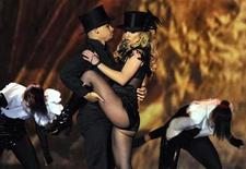 <p>Britney Spears performs during the 60th Bambi media awards ceremony in the southwestern German town of Offenburg, November 27, 2008. REUTERS/Wolfgang Rattay</p>