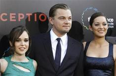 """<p>Cast member Leonardo DiCaprio poses with co-stars Marion Cotillard (R) and Ellen Page at the premiere of """"Inception"""" at the Grauman's Chinese theatre in Hollywood, California July 13, 2010. REUTERS/Mario Anzuoni</p>"""