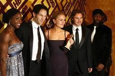 """<p>Foto de archivo del elenco de la serie """"True Blood"""" durante la fiesta de los premios Globos de Oro en Beverly Hills, ene 12 2009. Los creadores de la popular serie de televisión """"True Blood"""" lanzaron un cómic el miércoles que dijeron añadirá """"nuevas y únicas interpretaciones"""" a las aventuras de la camarera con poderes telepáticos Sookie Stackhouse y sus amigos vampiros. REUTERS/Lucas Jackson</p>"""