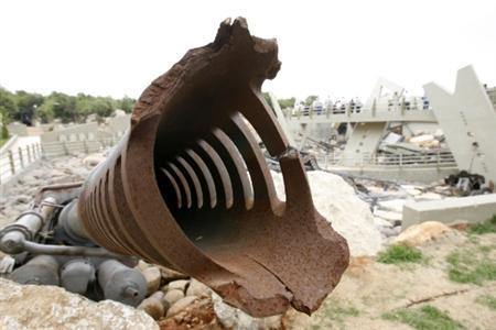 טנק מרכבה ככה צהל שיקר לחיילים ושלח אותם למותם בלבנון  ?m=02&d=20100811&t=2&i=177614901&r=2010-08-11T174347Z_01_BTRE67A1D9300_RTROPTP_0_LEBANON-HEZBOLLAH