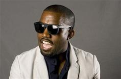 <p>Kanye West poses for a portrait in New York, May 22, 2009. REUTERS/Lucas Jackson</p>