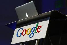 <p>An Apple computer is shown on Google's company campus in Mountain View, California February 9, 2010. REUTERS/Robert Galbraith</p>