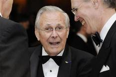 <p>Former U.S. Defense Secretary Donald Rumsfeld (C) attends the White House Correspondents' Association Dinner in Washington, May 1, 2010. REUTERS/Jonathan Ernst</p>