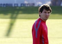 <p>Lionel Messi durante sessão de treino do Barcelona. O Barcelona incluiu Messi em sua relação de 19 jogadores para a partida fora de casa contra o Rubin Kazan pela Liga dos Campeões. 27/09/2010 REUTERS/Gustau Nacarino</p>