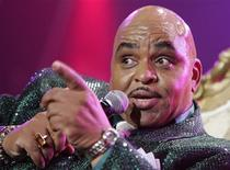 <p>Soul artist Solomon Burke performs in the Top of the Blues show at the Montreux Jazz Festival in Montreux in this July 4, 2005 file photograph. REUTERS/ARC-Dominic Favre</p>