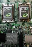 <p>Advanced Micro Devices a enregistré un bénéfice nettement supérieur aux attentes au troisième trimestre et prédit des ventes stables au dernier trimestre par rapport aux trois mois précédents. /Photo d'archives/REUTERS/Pichi Chuang</p>