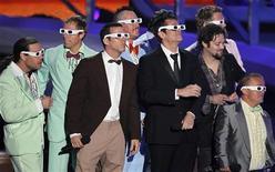 """<p>Команда фильма """"Чудаки 3D"""" на церемонии награждения MTV Video Music Awards в Лос-Анджелесе 12 сентября 2010 года. Третья часть франшизы об экстремальных трюках и сумасшедших экспериментах, выросшая из популярного телесериала """"Чудаки"""" на MTV, возглавила американский бокс-офис. REUTERS/Mike Blake</p>"""