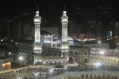 <p>Muslim pilgrims pray at the Grand mosque in Mecca during the annual haj pilgrimage November 11, 2010. REUTERS/Mohammed Salem</p>