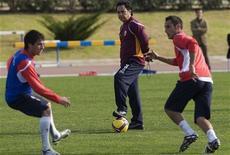 """<p>Игроки """"Альмерии"""" на тренировке в Альмерии 29 декабря 2008 года. Главным тренером испанской """"Альмерии"""" до конца сезона будет Хосе Луис Ольтра, сообщил клуб на своем сайте (www.udalmeriasad.com). REUTERS/Francisco Bonilla</p>"""