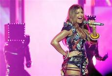 <p>Fergie of The Black Eyed Peas performs 'The Time' at the 2010 American Music Awards in Los Angeles November 21, 2010. REUTERS/Mario Anzuoni</p>