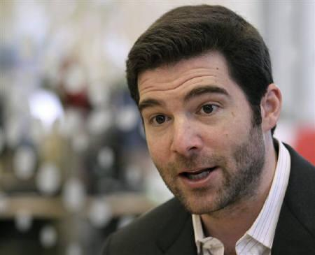 LinkedIn CEO Jeff Weiner talks to reporters during the Reuters Technology Summit in San Francisco, California May 17, 2010. REUTERS/Robert Galbraith/Files