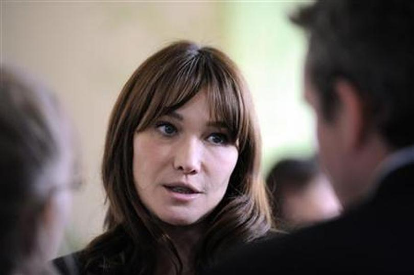 Carla Bruni Breathes Italian Into Classic French Song Reuters Com