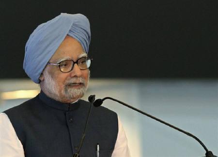 Prime Minister Manmohan Singh in New Delhi July 3, 2010. REUTERS/B Mathur/Files