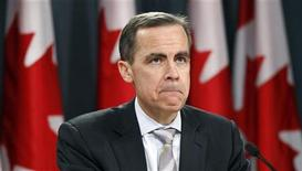 <p>Bank of Canada Governor Mark Carney listens to a question during a news conference upon the release of the Monetary Policy Report in Ottawa January 19, 2011 REUTERS/Chris Wattie</p>