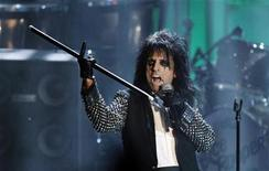 <p>Singer Alice Cooper performs after being inducted during the 2011 Rock and Roll Hall of Fame induction ceremony at the Waldorf Astoria Hotel in New York March 14, 2011. REUTERS/Lucas Jackson</p>