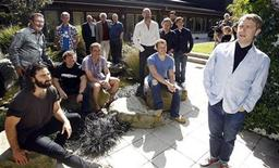 <p>British actor Martin Freeman (R) poses with cast members of Peter Jackson's two-part film The Hobbit, at Jackson's Park Road Post facility in Wellington February 11, 2011. Freeman plays Bilbo in the film, a hobbit in the company of thirteen dwarves. REUTERS/Anthony Phelps</p>
