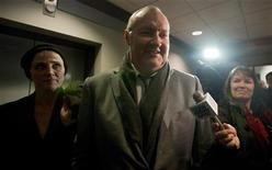 <p>U.S. actor Randy Quaid and his wife Evi (L) leave the Canadian Immigration Court after their hearing in Vancouver, British Columbia November 23, 2010. REUTERS/Ben Nelms</p>
