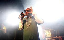 <p>Snoop Dogg performs during the Express Rocks concert series at Harry O's in Park City, Utah, January 21, 2011. REUTERS/Mario Anzuoni</p>