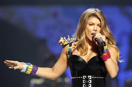 Fergie of the Black Eyed Peas performs at the 24th annual Nickelodeon Kids' Choice Awards in Los Angeles April 2, 2011. REUTERS/Mario Anzuoni