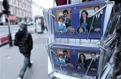 <p>Souvenir postcards on sale to mark the forthcoming wedding of Britain's Prince William and Catherine Middleton are seen at a shop in London, January 27, 2011. REUTERS/Paul Hackett</p>