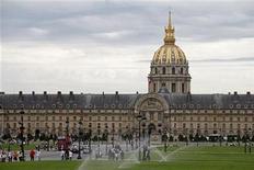 <p>View of the Hotel des Invalides in Paris August 26, 2010. REUTERS/Jacky Naegelen</p>