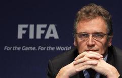 <p>Secretário-geral da Fifa, Jêróme Valcke, em coletiva de imprensa em Zurique, novembro de 2010. Valcke mostrou estar preocupado com a atual situação dos aeroportos brasileiros para a Copa do Mundo de 2014. 18/11/2010 REUTERS/Christian Hartmann</p>