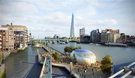 <p>A computer-generated image shows the plan of the kilometre-long floating walkway earmarked for London's River Thames. REUTERS/Mayor of London's Office/Handout</p>