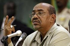 <p>Sudan's President Omar Hassan al-Bashir addresses representatives of the Government of Southern Sudan (GOSS) during a visit at the South Sudan Legislative Assembly in Juba August 27, 2008. REUTERS/Tim McKulka/UNMIS/Handout (SUDAN).</p>